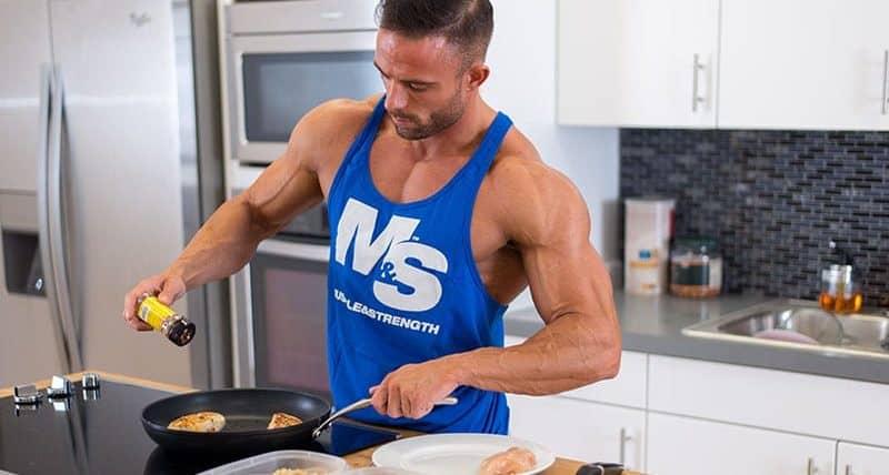 cosa mangiare per guadagnare massa muscolare