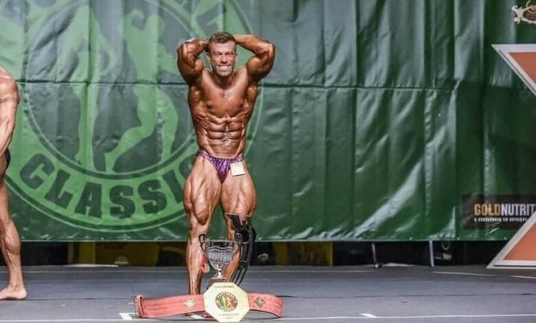 fabio lopes in competizione nella palestra di bodybuilding